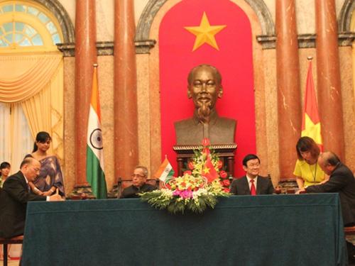 Việt Nam - Ấn Độ ký kết nhiều văn kiện hợp tác quan trọng