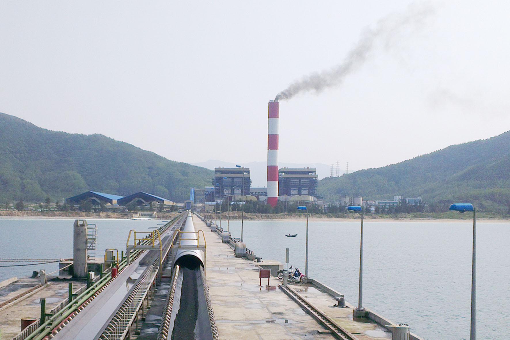 AMECC - Nhiệt điện Vũng Áng 1 đốt lửa bằng dầu thành công lò hơi số 2