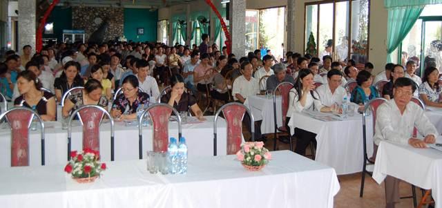 TỔ CHỨC HỘI NGHỊ NGƯỜI LAO ĐỘNG NĂM 2011