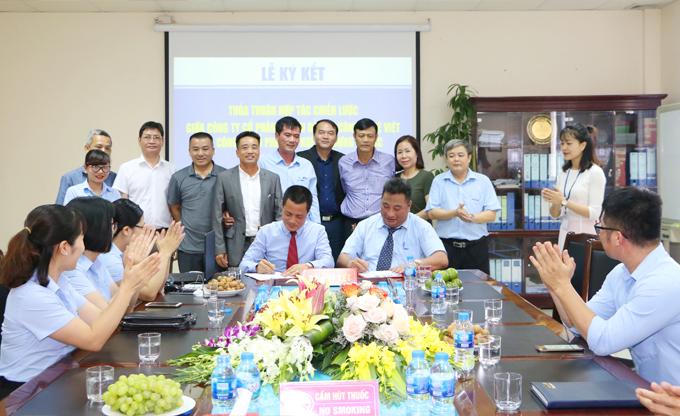 Lễ Ký kết thỏa thuận hợp tác chiến lược giữa Công ty cổ phần cơ khí Xây dựng AMECC và Công ty cổ phần tư vấn đầu tư công nghệ Việt (Viettek)